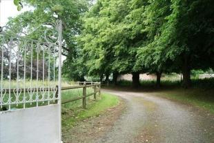 Villa for sale in Longueil, Seine-Maritime...