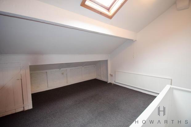 Large attic - cou...