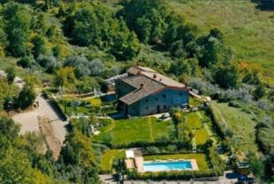 9 bed Country House for sale in Greve in Chianti...