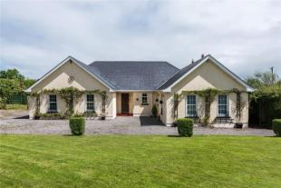 5 bedroom Detached home for sale in 7 Acres At Back Of The...