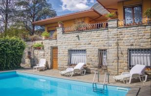 6 bedroom property in Vicchio, Florence...