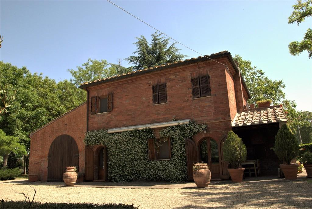 4 bed house in Montepulciano, Siena...