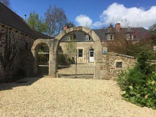 5 bedroom house for sale in PLOUHA, Bretagne