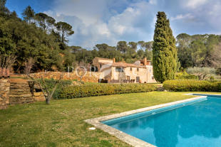 7 bed Country House in La Bisbal d`Empord�...
