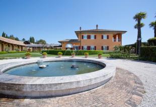 Ascoli Piceno Villa for sale