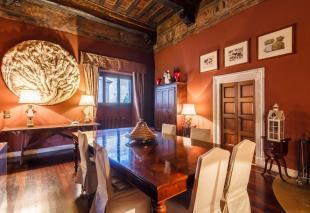 10 bedroom Apartment in Roma, Rome, Lazio