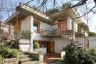 6 bed Villa for sale in Pistoia, Pistoia, Tuscany