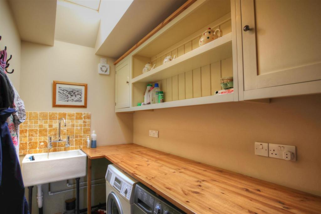 UTILITY ROOM / BOOT