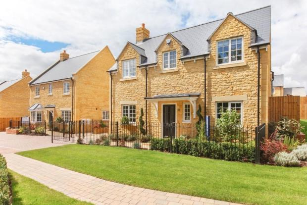4 bedroom detached house for sale in cotswold gate for Kitchens chipping norton