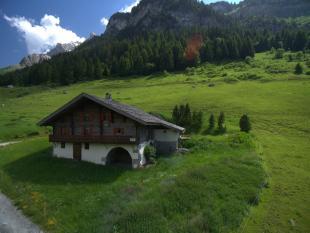 3 bedroom Chalet for sale in La Clusaz, Haute-Savoie...