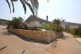 Vinisce Detached house for sale