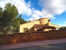 Chalet for sale in Villamartin, Alicante...