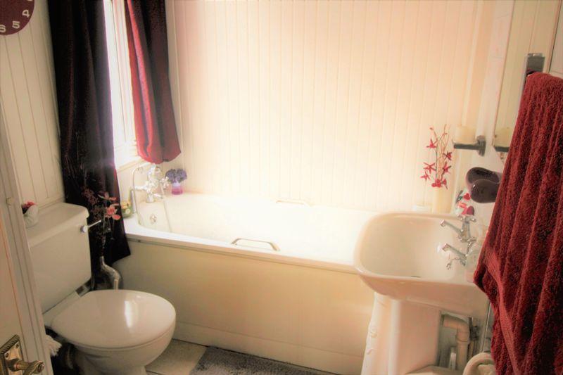 Bathroom/ Sepa...
