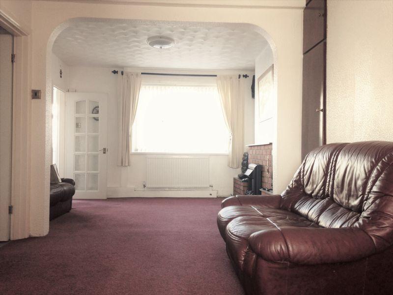 Living Room/ D...