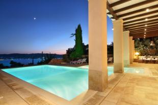 7 bedroom Villa for sale in Kosta, Argolis...