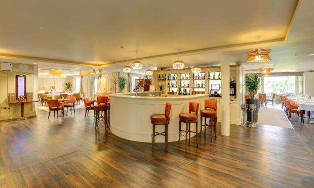 Redwood Bar