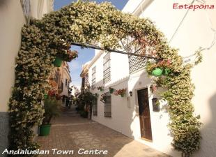 3 bed Town House in Estepona, M�laga...