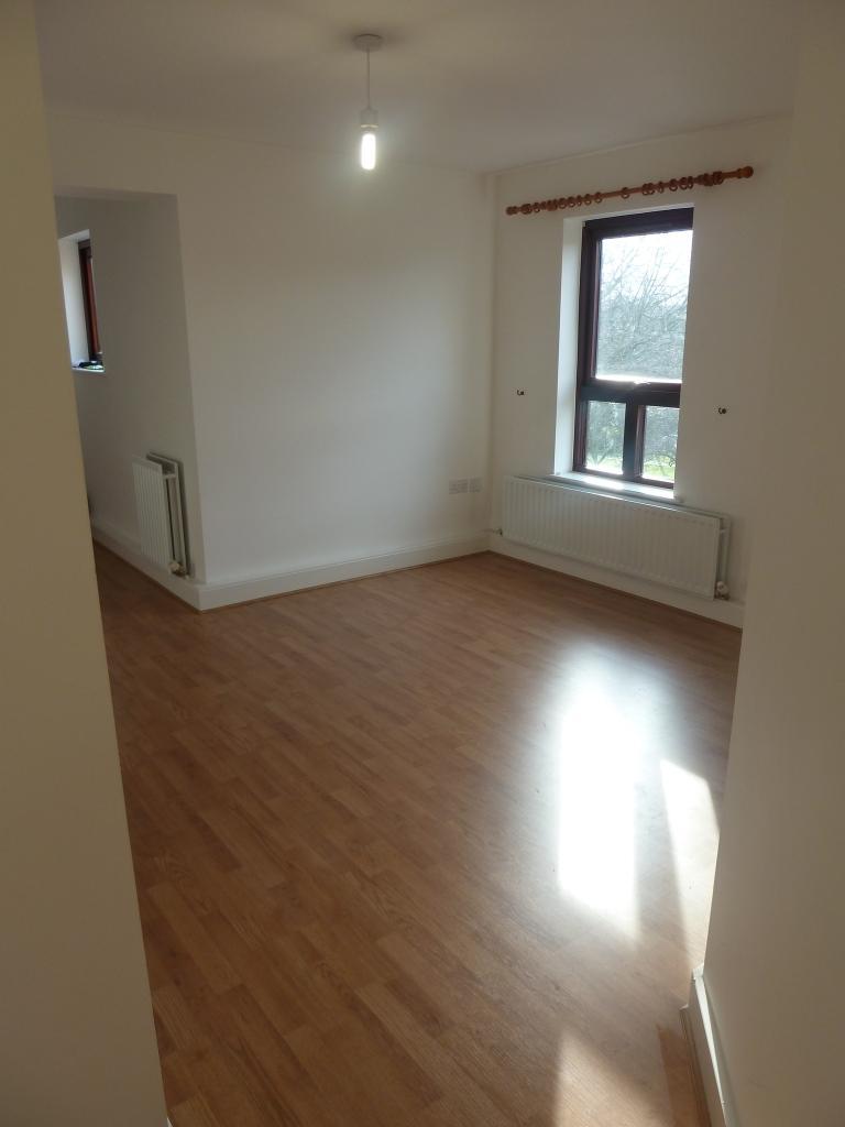 2 Bedroom Flat To Rent In Hepworth Building Woodlands