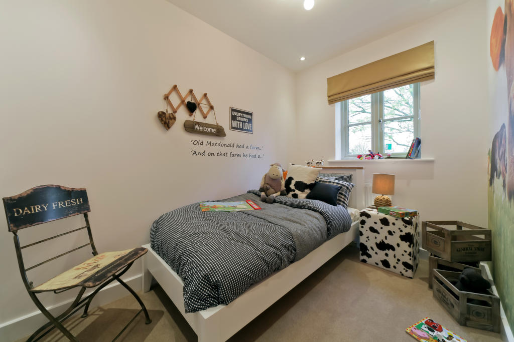 Hanbury_bedroom_2