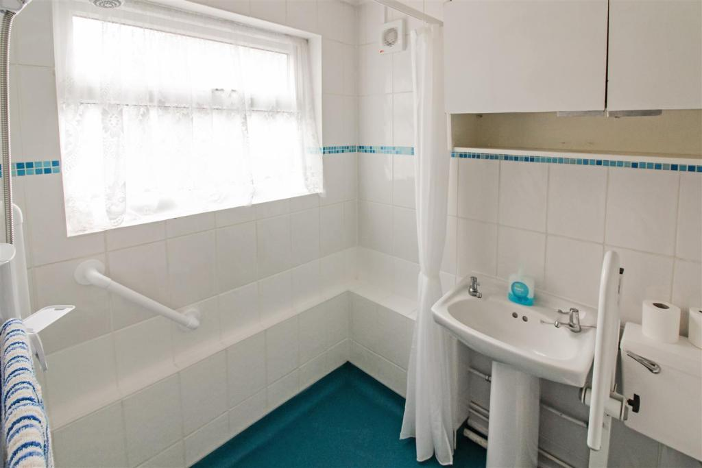 shower_room_dp_27007