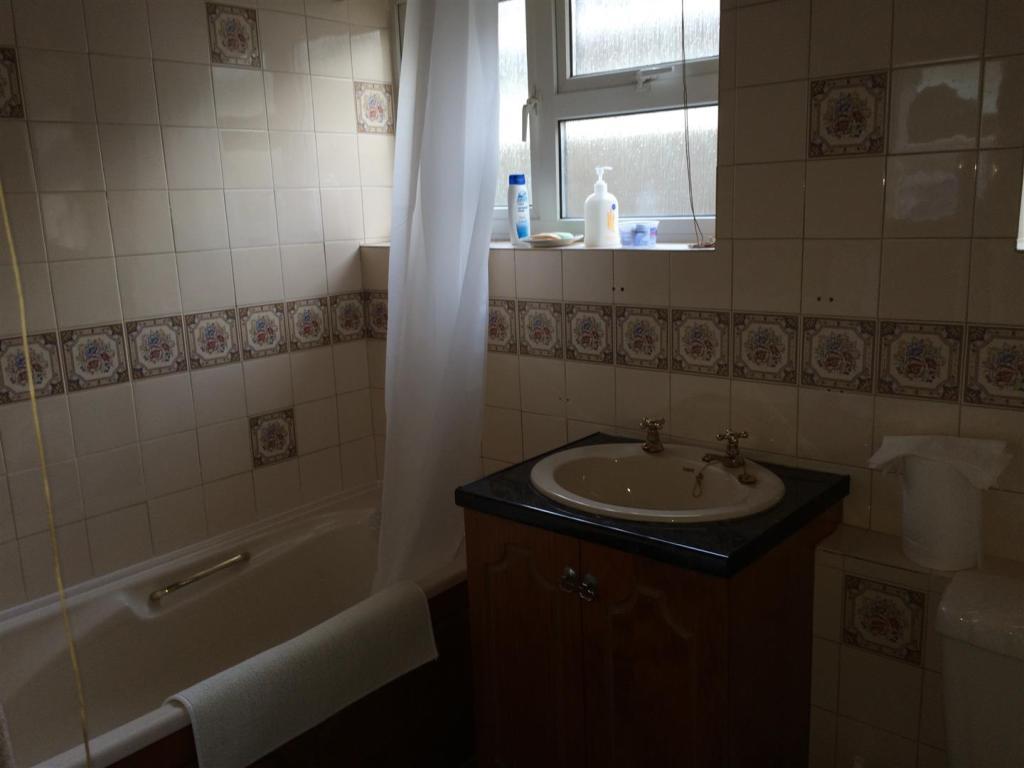 Green Park 78 bathro