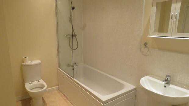 Heron Way 38 bathroo