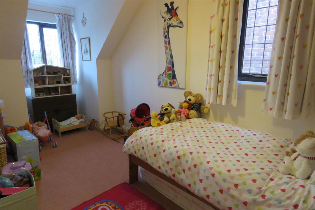 Bedroom 4.JPG