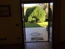 Bas.apt. garden door