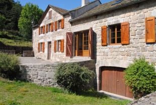 3 bed home in Aumont-Aubrac, Lozère...