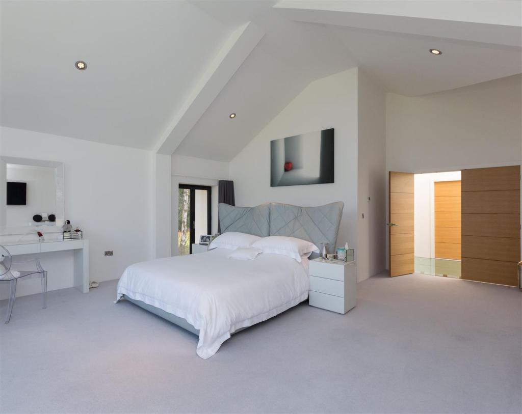 Bedroom cropped.jpg