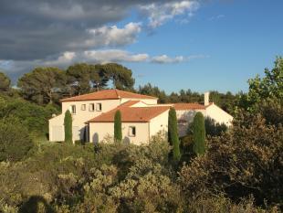 5 bed Villa for sale in Lambesc...