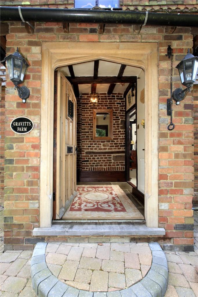 Entrance Cameo