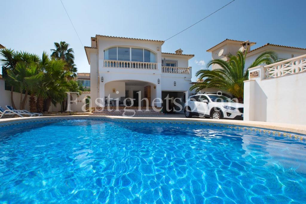Villa for sale in Albir, Spain