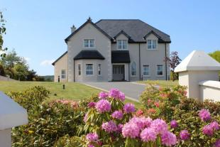 4 bed Detached house for sale in Oak Park Drive...