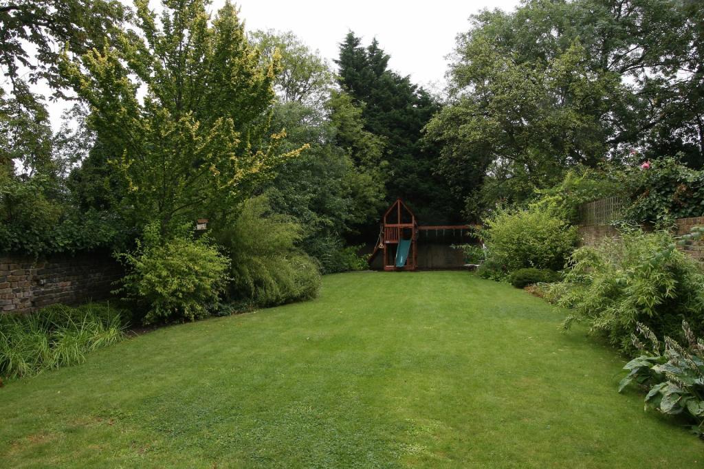 Onslow Road Garden