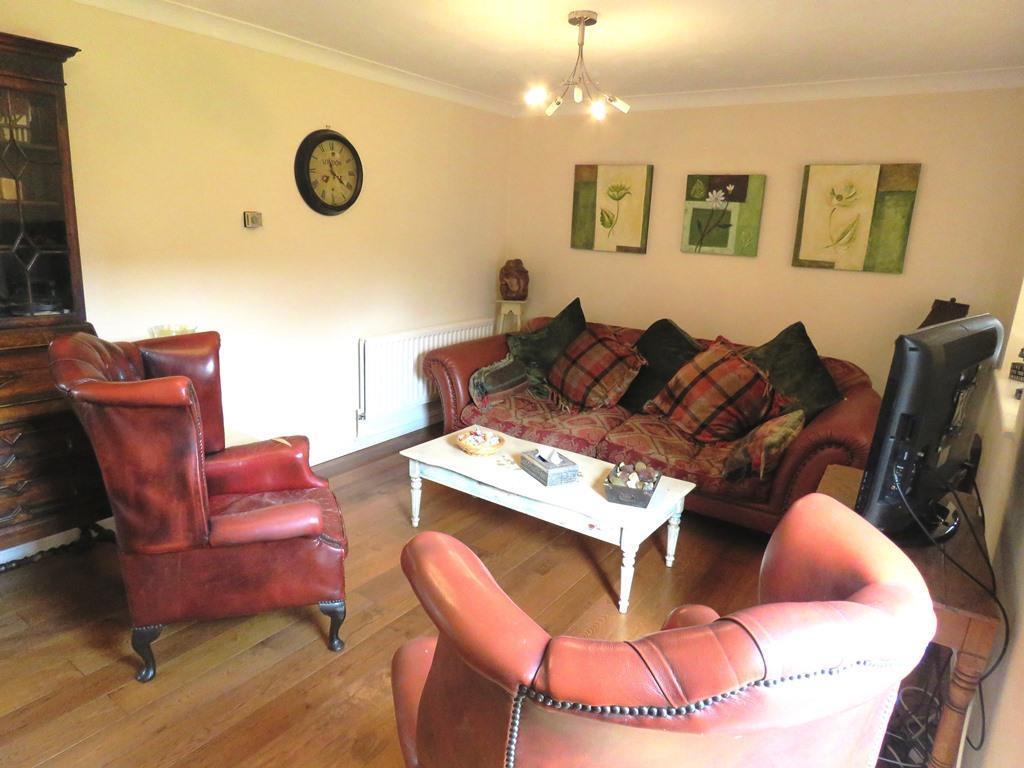lounge1 use.JPG