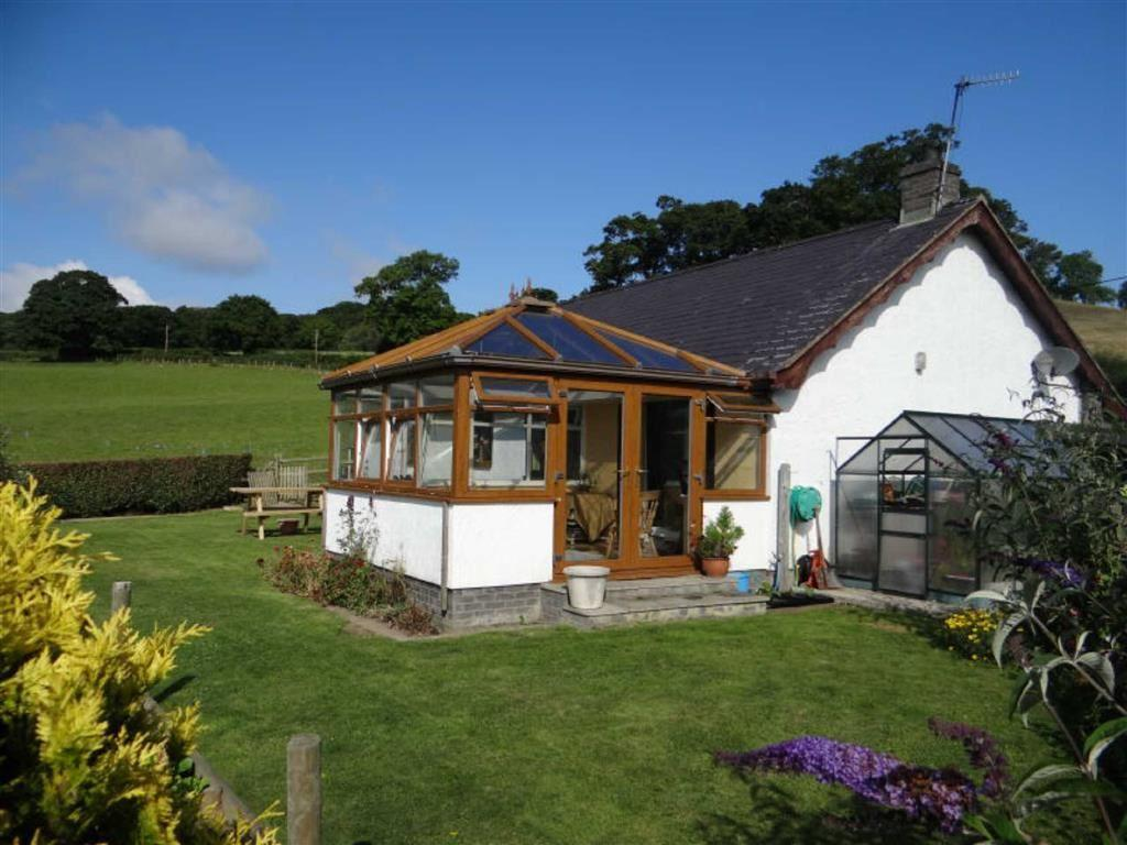 2 bedroom detached bungalow for sale in llechwedd conwy for 2 bedroom bungalow