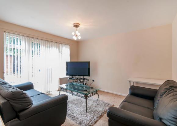 bedroom ground floor flat to rent in 20 five lamps court derby