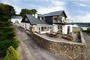 Compass Hill Detached house for sale