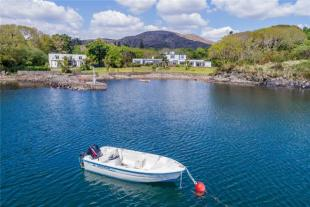 9 bedroom Detached home for sale in Ring Of Kerry, Sneem...
