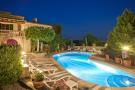 8 bed Hotel for sale in Caimari, Mallorca...