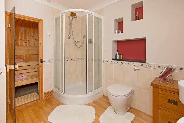 En-suite and Saun...