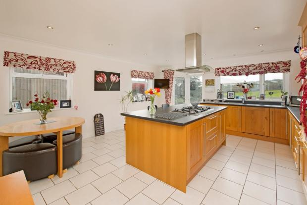 4 Bedroom Detached House For Sale In Coach Road Newton Abbot TQ12