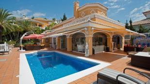 Villa for sale in Torrenueva, Málaga