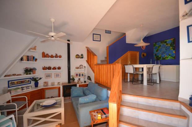 Split level lounge
