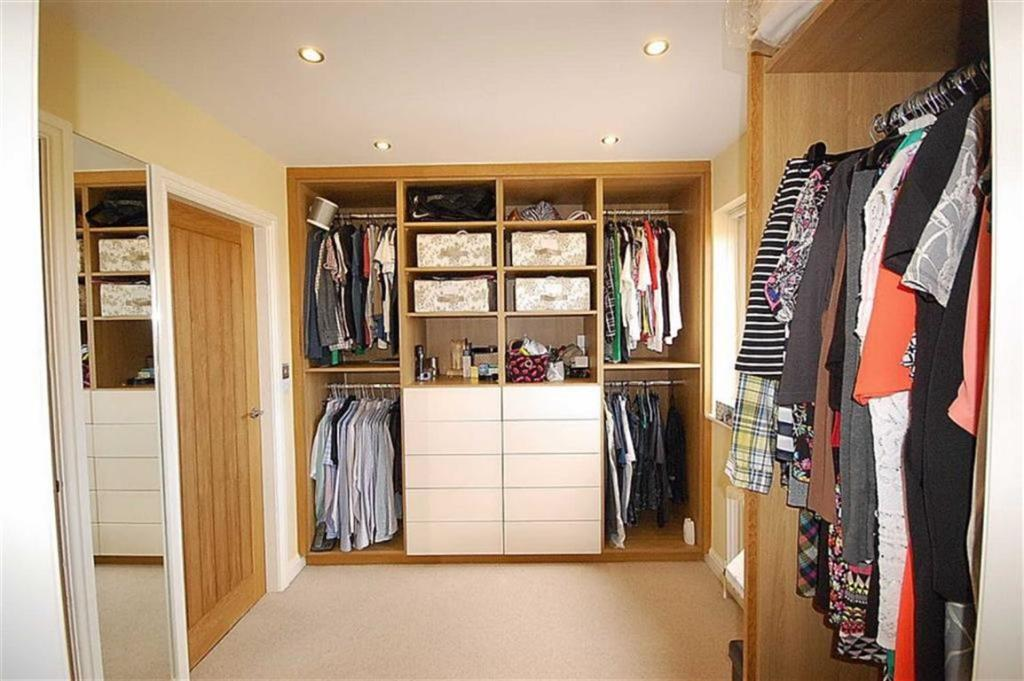 3 bedroom town house for sale in bourn view road netherton huddersfield hd4 hd4 Master bedroom ensuite and dressing room