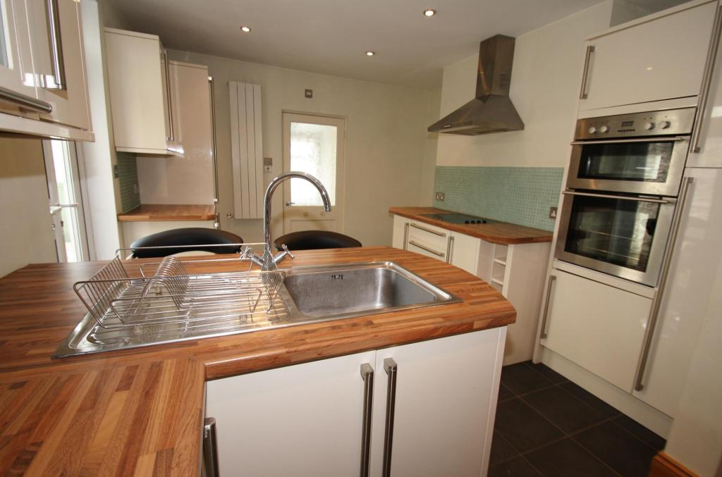 Kitchen-3-bed-house-SeaViewAvenue-Plymouth
