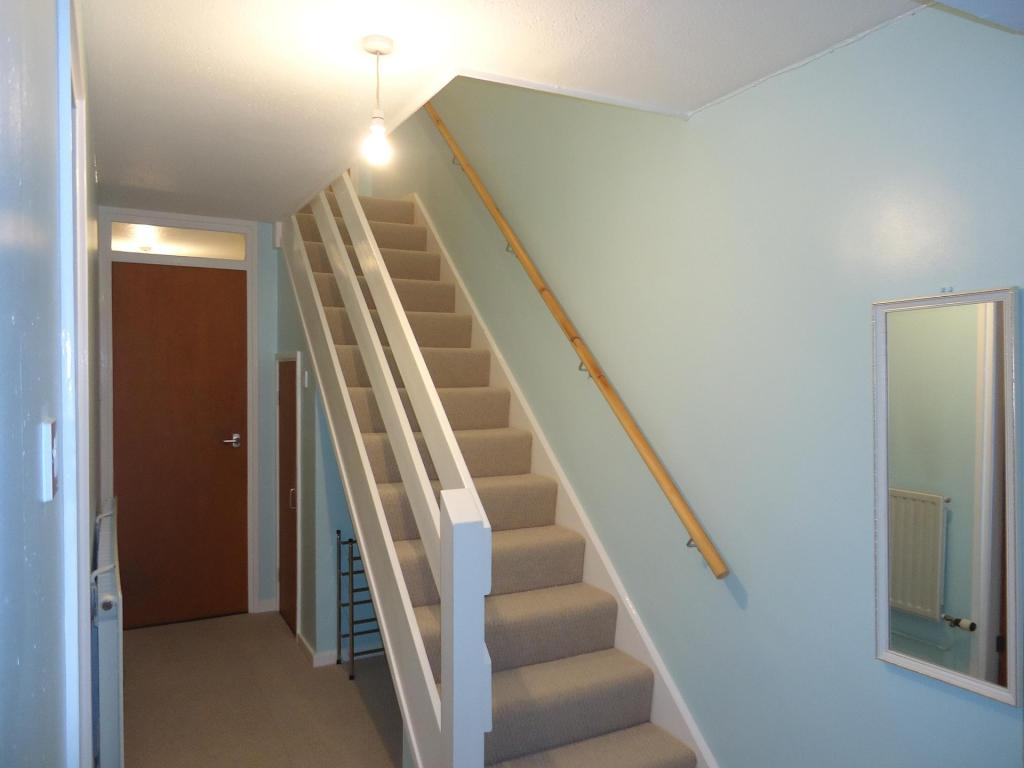 EntranceHallway-2-bed-house-FlamsteedCrescent-Plymouth