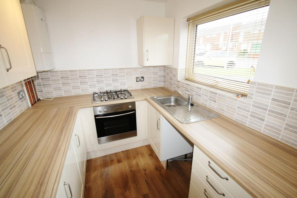 Kitchen-2-bed-flat-WentwoodGardens-Plymouth