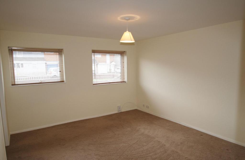 Lounge-2-bed-flat-WentwoodGardens-Plymouth